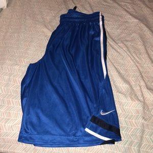 NWOT Men's Basketball Shorts